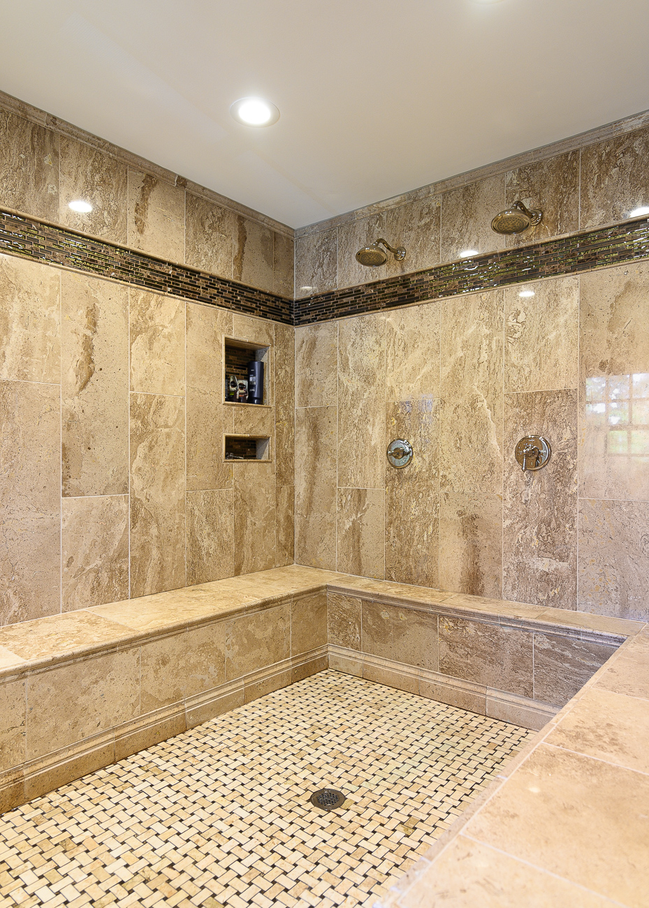 The aforementioned massive walk-in shower / Image: Phil Armstrong, Cincinnati Refined // Published: 12.1.19<p></p>