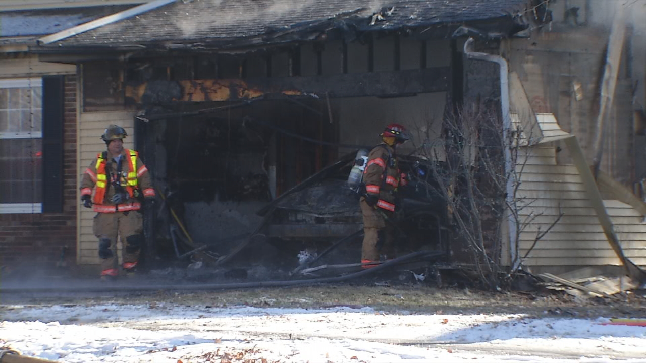 One hospitalized in Victoria Drive garage explosion (WICS)