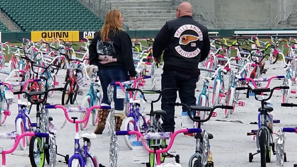 Kids Receive Hundreds Of New Bikes Toys At Hell S Angels Bike Run