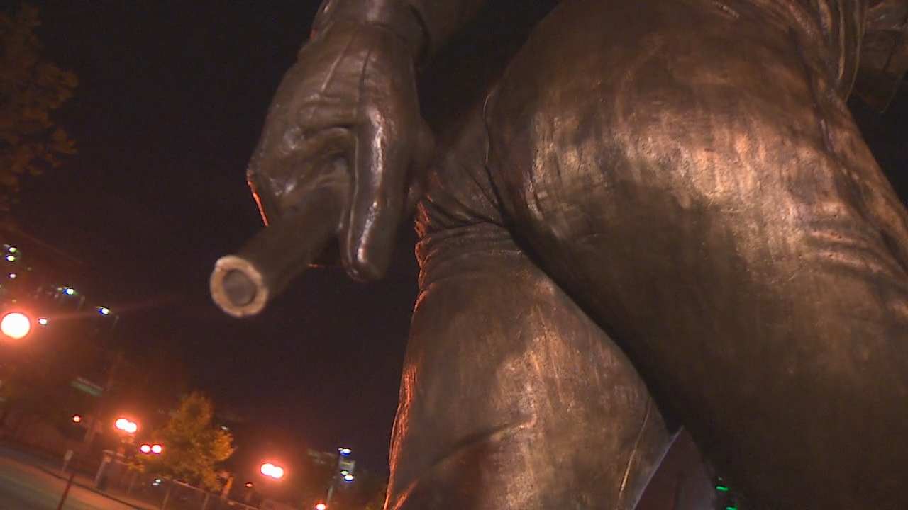 The Seattle Mariners confirmed someone broke off the bat from Ken Griffey Junior's statue outside Safeco Field on Tuesday. (Photo: KOMO News)
