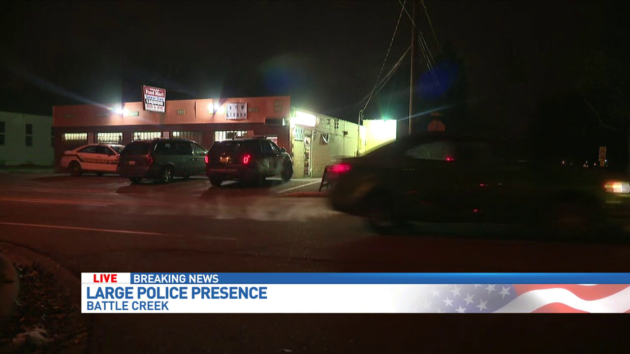 Convenience store robbed by three masked men in Battle Creek.{&amp;nbsp;} (WWMT Cyrus Raymond)<p></p>