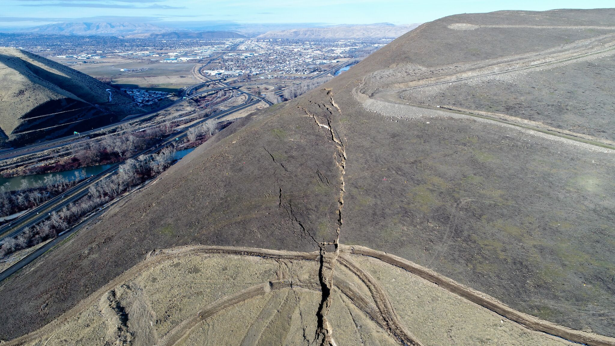 Rep. Newhouse urges for state of emergency declaration due to landslide