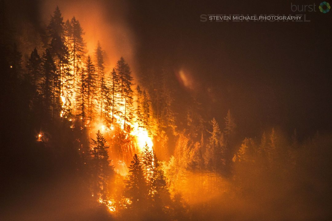 Photo of the Eagle Creek Fire from Steven Michael.jpg