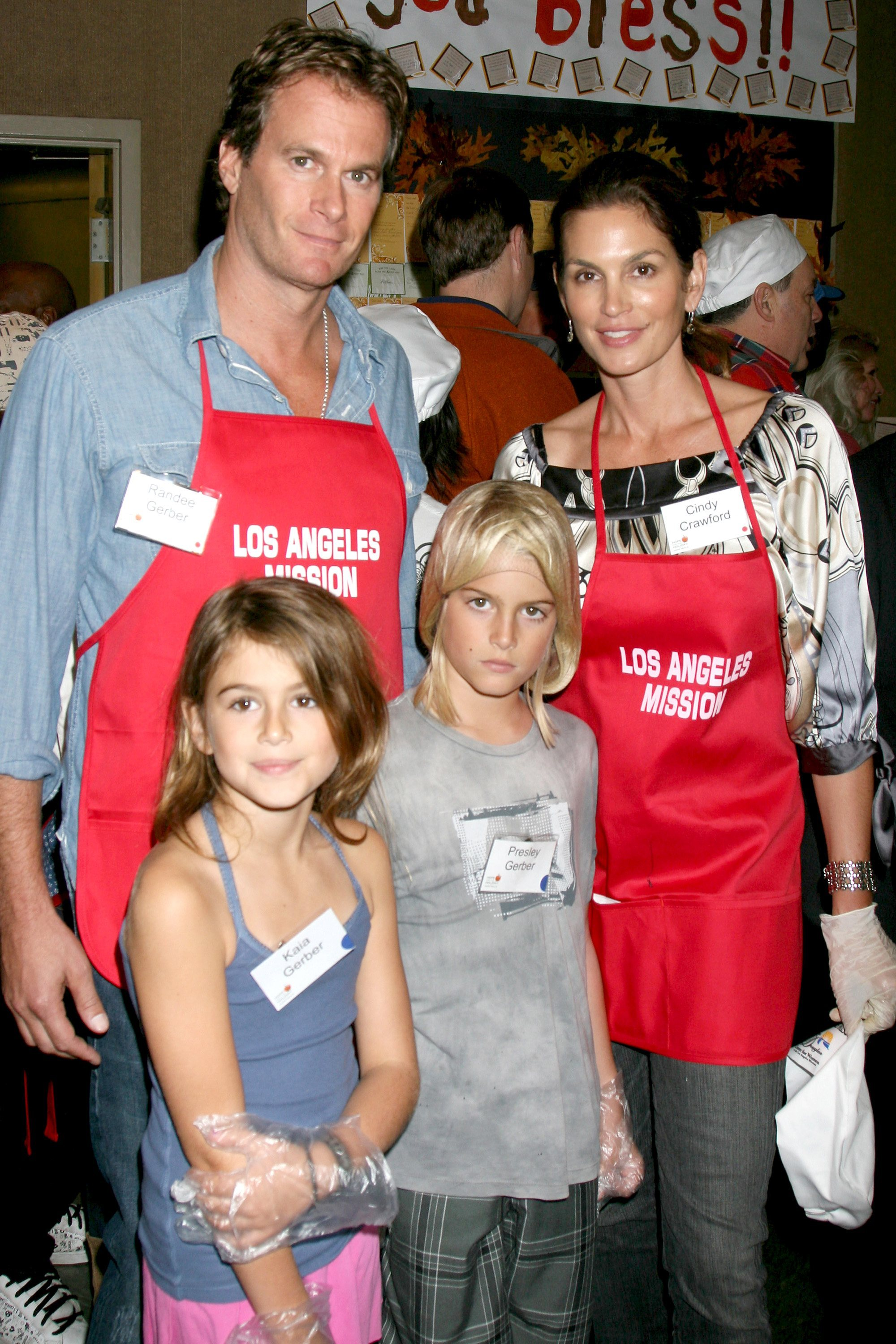 Rande Gerber, Cindy Crawford, Kaia Gerber and Presley Gerber LA Mission and Anne Douglas Center's Thanksgiving Meal For The Homeless Los Angeles, California - 26.11.08  Where: United States When: 26 Nov 2008 Credit: Nikki Nelson/ WENN
