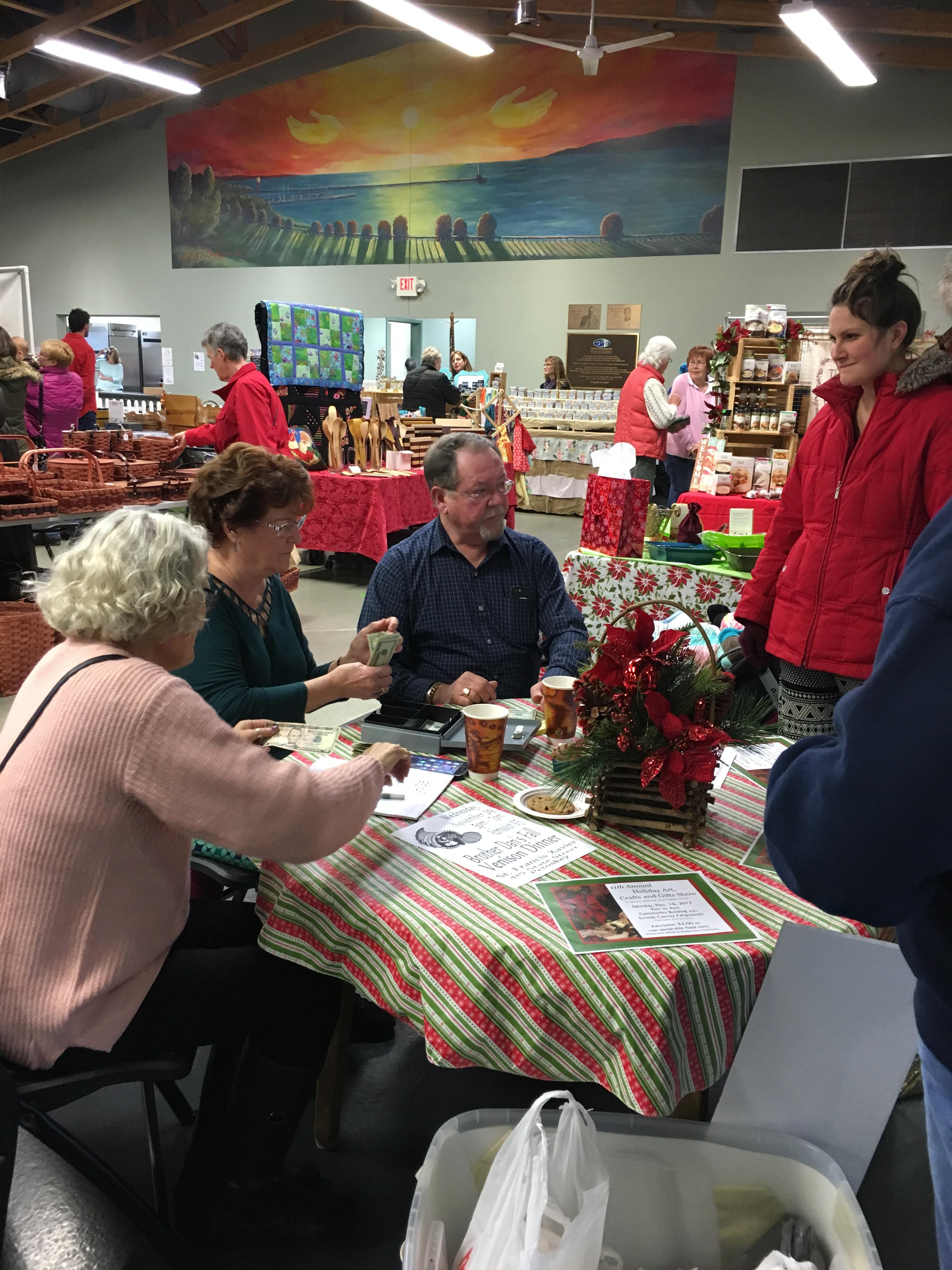 A craft show in Emmet County collected food and money to benefit a local food pantry.<p></p>