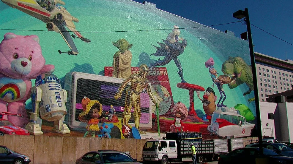 Scaffolding removed from downtown cincinnati toy heritage for Cincinnatus mural