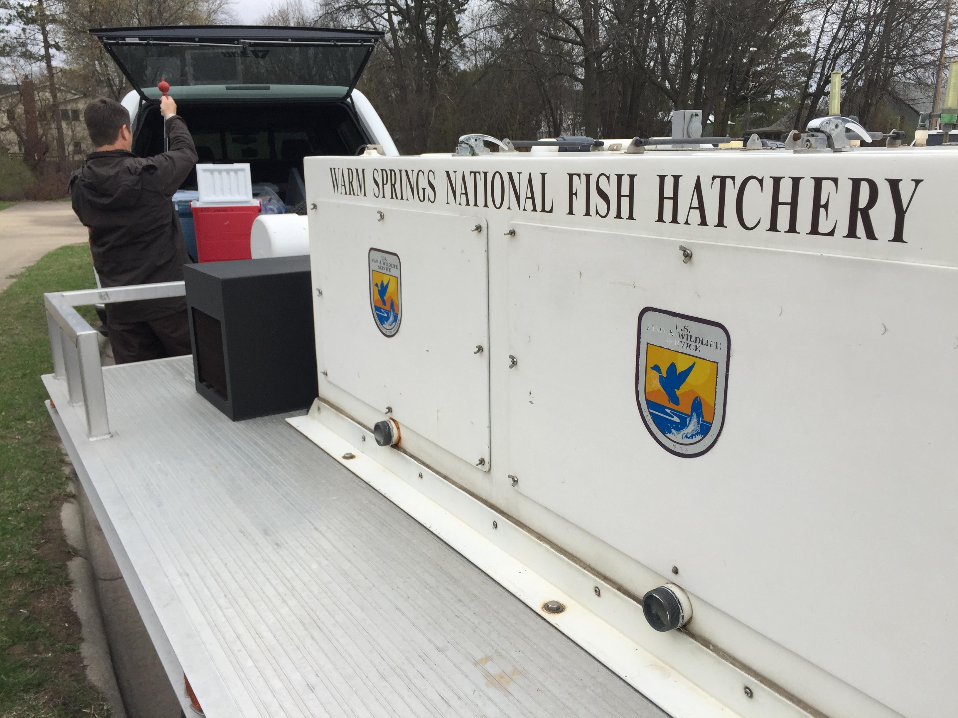 Hatchery truck from US Fish and Wildlife Service from Georgia, April 19, 2017 (WLUK/Eric Peterson)