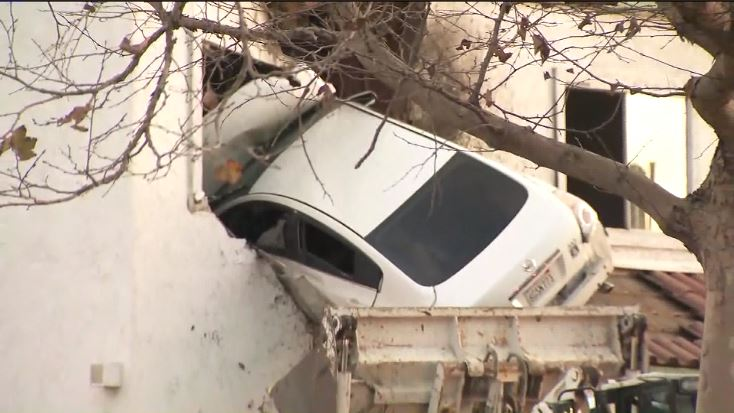 A car flew into the second floor of a building in Santa{&amp;nbsp;} Ana, California. (CNN Newsource)<p></p>