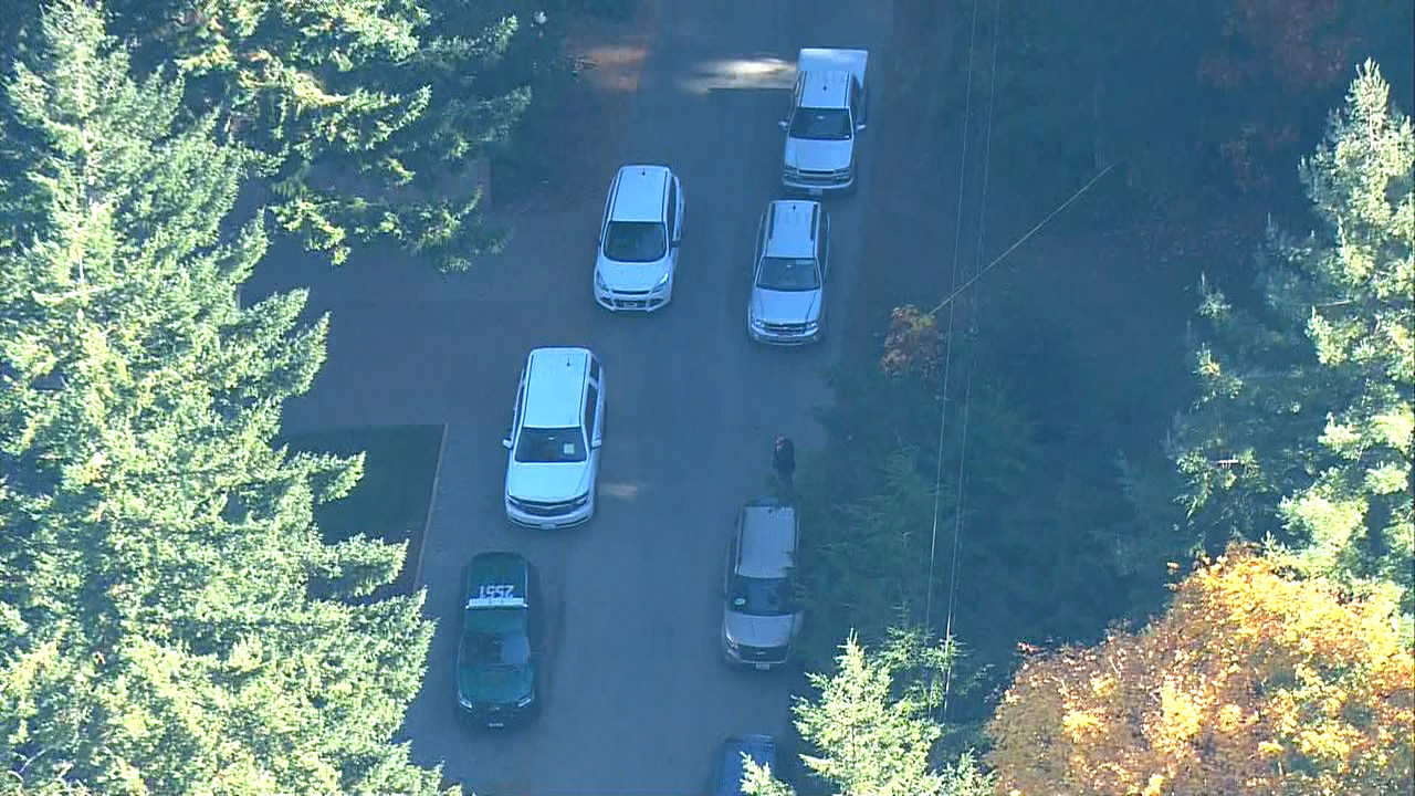 "Kitsap County Sheriff's detectives say a 9-year-old boy died from ""obvious homicidal violence"" at a home in a rural area near the Hood Canal town of Seabeck, Tuesday, Oct. 31, 2017. (Photo: KOMO News/Air 4)"