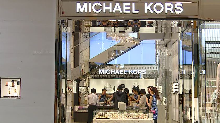 Michael kors to close 100 stores wsyx for Michaels craft store memphis tn