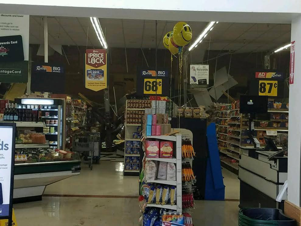 Roof Collapses At Ridley S Grocery Store In Weiser Kboi