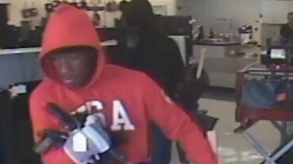 Pawn Shop Austin >> Guns Jewelry Stolen During South Austin Pawn Shop Robbery