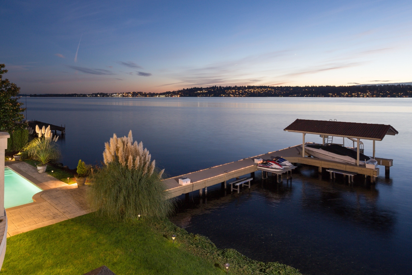 This year's Dream House from the Puget Sound raffle is a 5 bed / 5 bath mansion sitting on the shores of Lake Washington. This beauty is 5,100 square feet and has a gourmet chef's kitchen, pool, boat dock, and home theater. How beautiful is this home?! It could be yours, folks! Early bird tickets are on sale until this Friday, March 10. Visit www.pugetsoundraffle.com to enter for your chance to own this baby. (Image: Puget Sound Raffle).