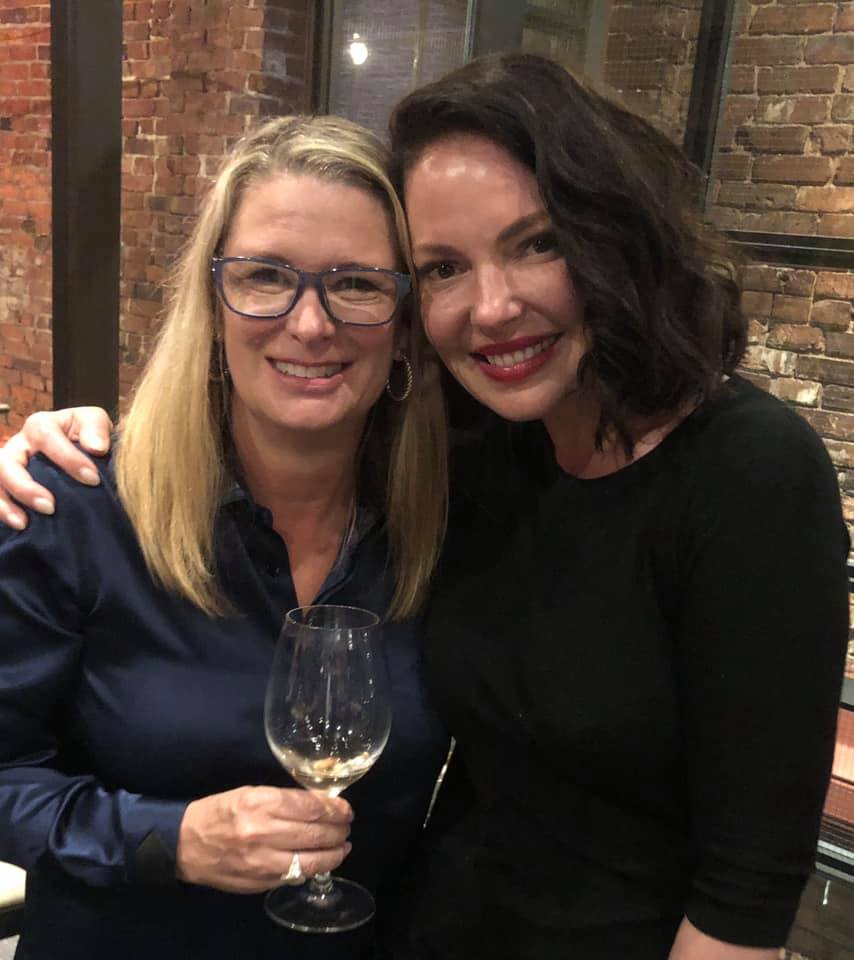 Kristin Hannah and actress Katherine Heigl who portrays Tully Hart in the upcoming Netflix series 'Firefly Lane'. (Image: Kristin Hannah)