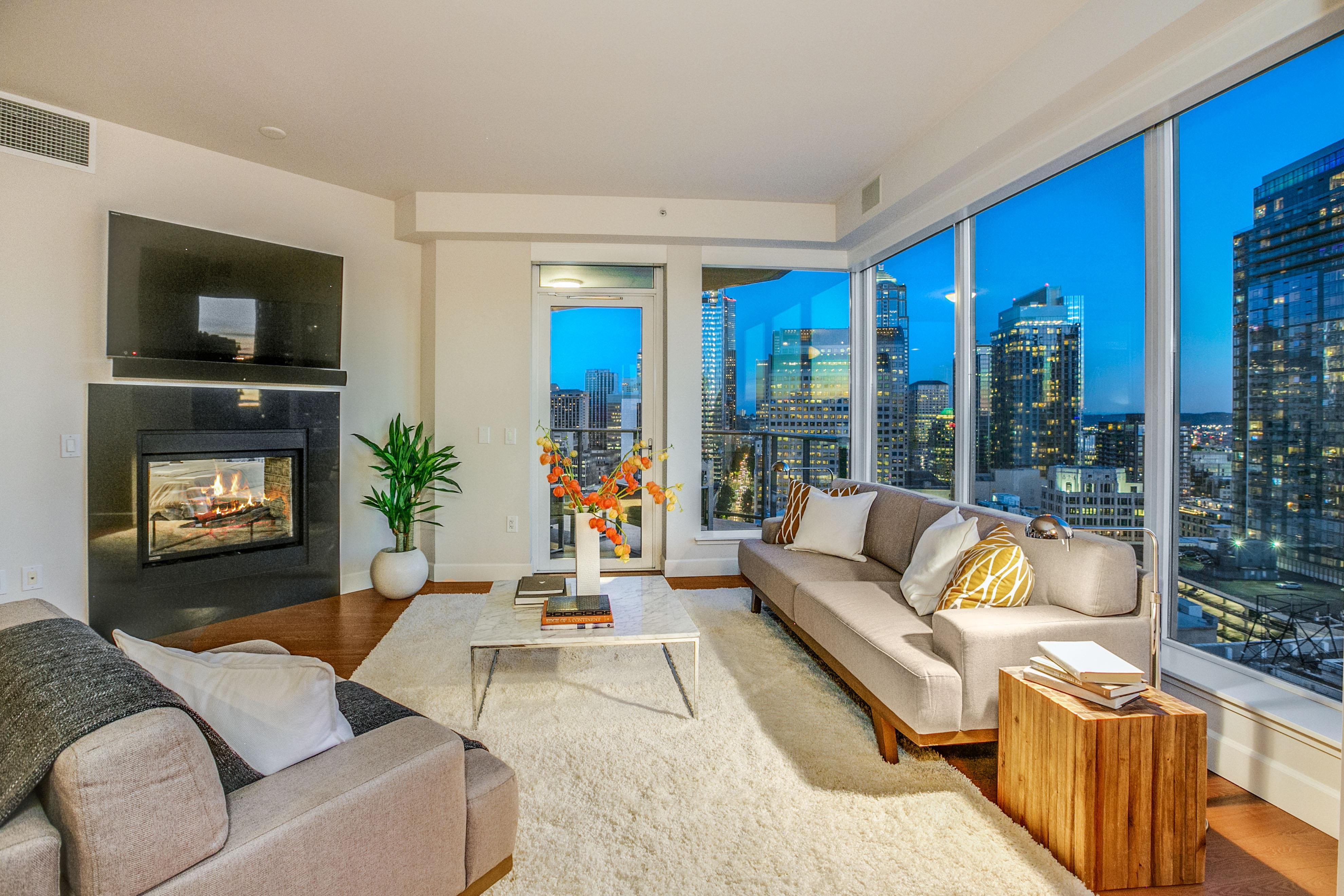 Breathtaking views, convenient amenities, and modern decor are cornerstones of living in a high-rise condo in Seattle.