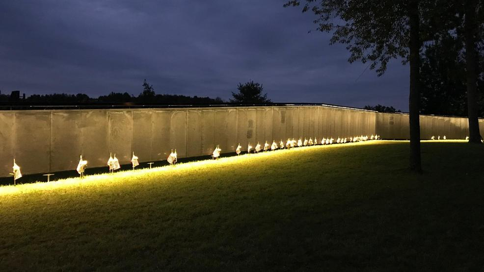 Traveling vietnam memorial in crivitz wluk the wall that heals makes a stop in crivitz wisconsin the exhibit features a three quarter scale replica of the vietnam veterans memorial in washington aloadofball Image collections