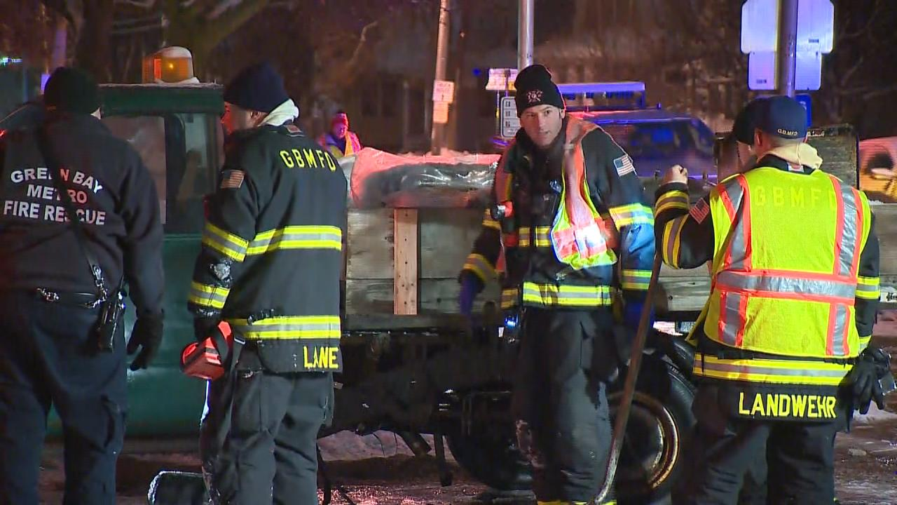Crews work to contain a gas leak at Irwin Avenue and East Mason Street in Green Bay on December 22, 2017. (WLUK)<p></p>