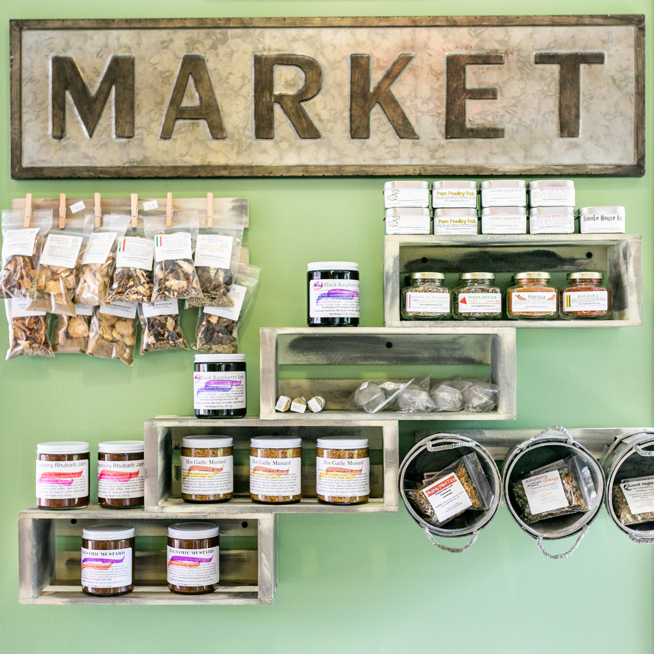 Fond: Market & Co. is a deli and pantry that carries daily changing seasonal food items that are stocked by local, responsibly sourced farms. This fresh Oakley spot is bound to become your go-to place to grab lunch. ADDRESS: 3923 Isabella Avenue (45208) / Image: Amy Elisabeth Spasoff // Published: 9.29.18