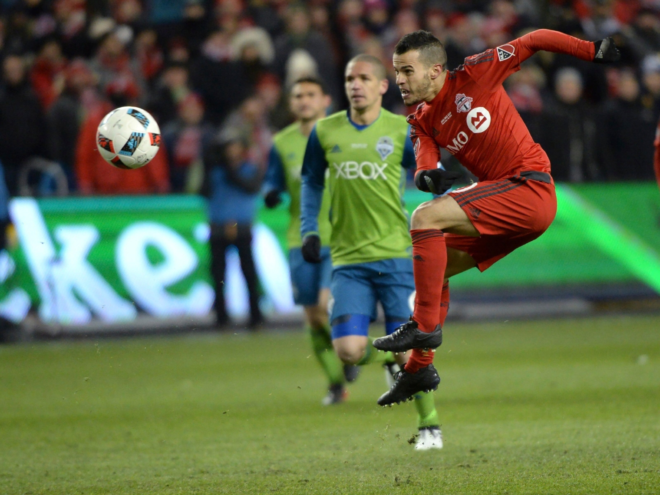 Toronto FC forward Sebastian Giovinco fshoots at the net net during first-half MLS Cup final soccer action against the Seattle Sounders in Toronto, Saturday, Dec. 10, 2016. (Nathan Denette/The Canadian Press via AP)