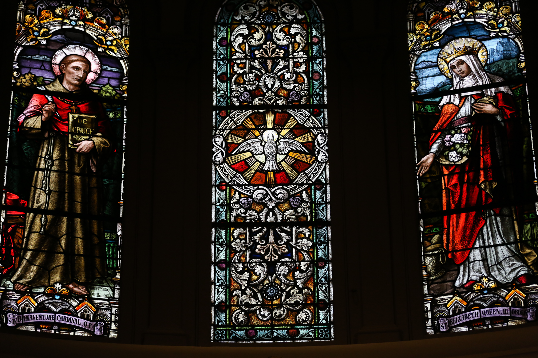 Although the main portion of the church is open to the public, it's still worth a trip for the art and stained glass windows. (Amanda Andrade-Rhoades/DC Refined)<br>