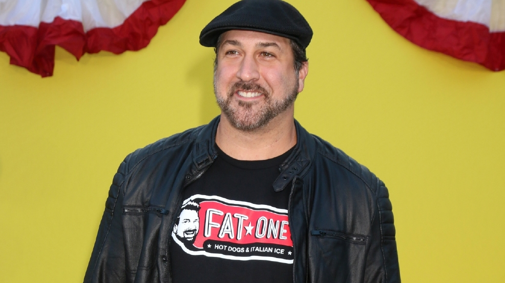 Joey Fatone's new hot dog stand sparks shooting scare, stampede at Orlando mall