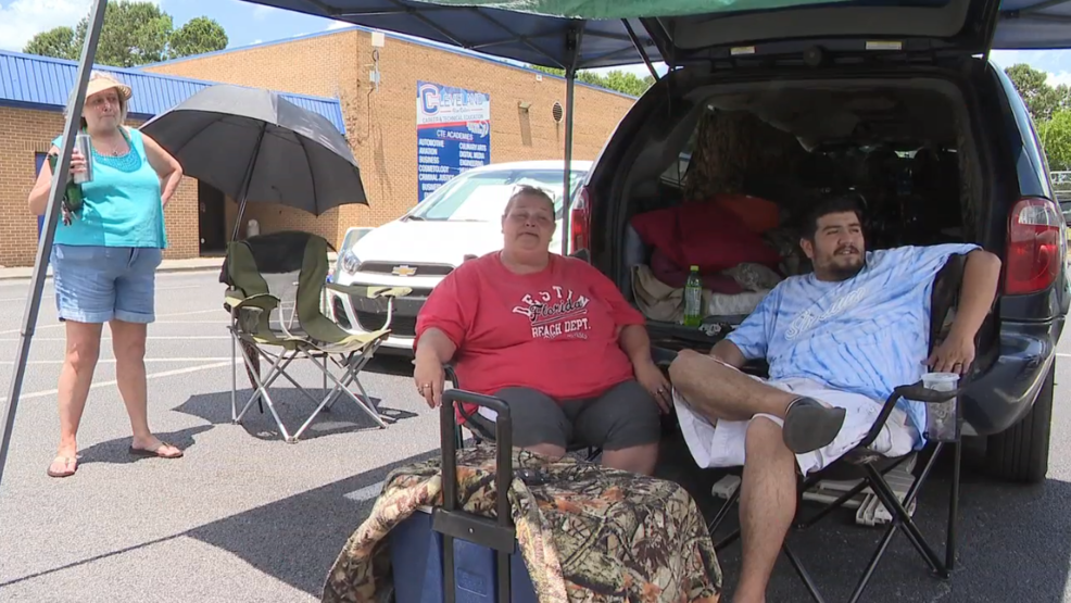 Camping out for medical care: Remote Area Medical Clinic