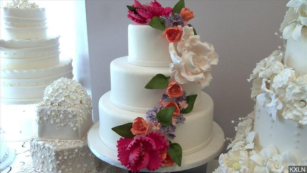 bride goes viral for asking wedding guests to leave kgbt