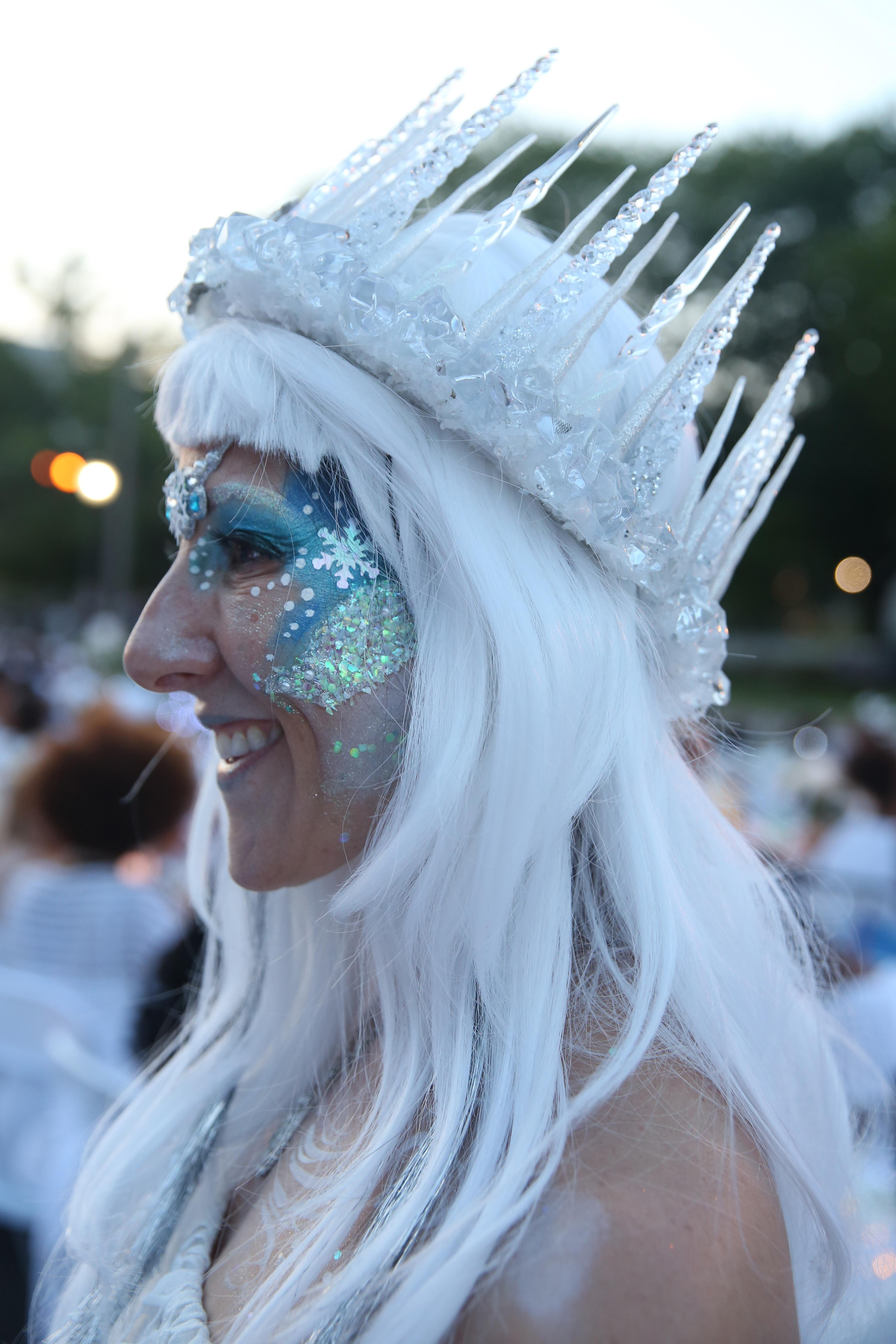 Sandy Rosenblatt killed it with this ice queen look! (Amanda Andrade-Rhoades/DC Refined)