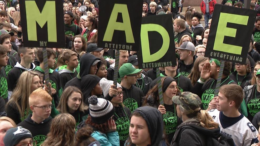 Ross County students march for a drug free lifestyle | WSYX