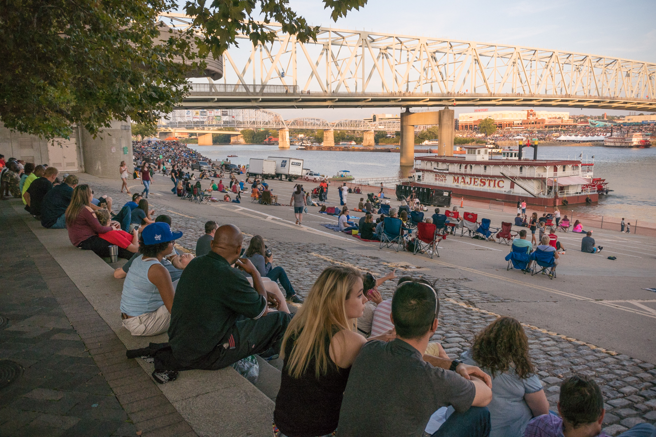 "The 41st annual Western & Southern/WEBN Riverfest fireworks illuminated the sky above the Ohio River on Sunday, September 3. Thousands filled the banks of the Ohio on both sides. The theme for this year's show was ""at the movies."" / Image: Phil Armstrong, Cincinnati Refined // Published: 9.4.17"
