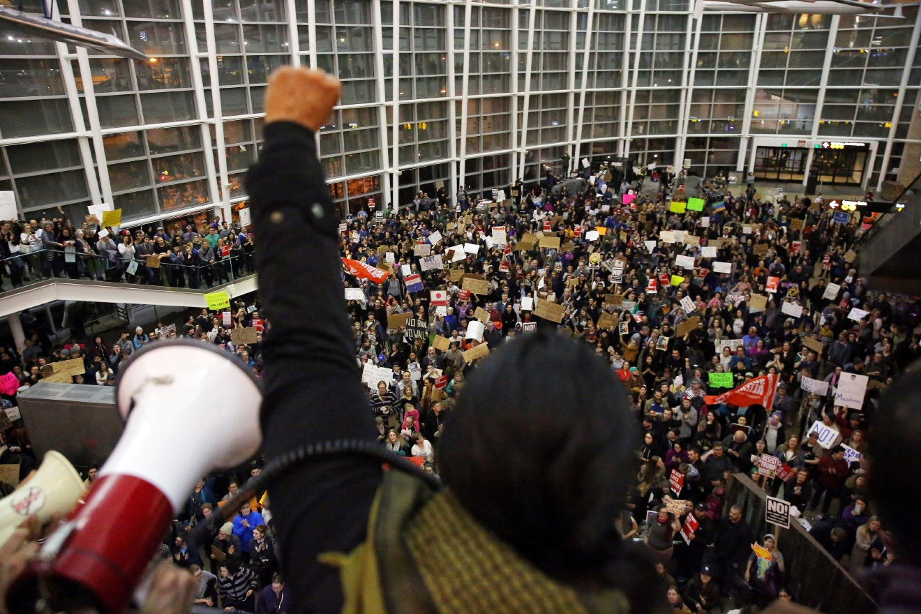 Travelers detained at seattle airport released from for Door 00 seatac airport