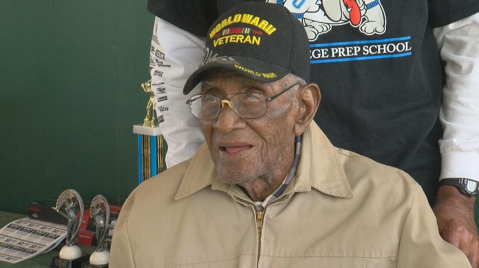 richard overton nation s oldest living wwii veteran turns 112 on