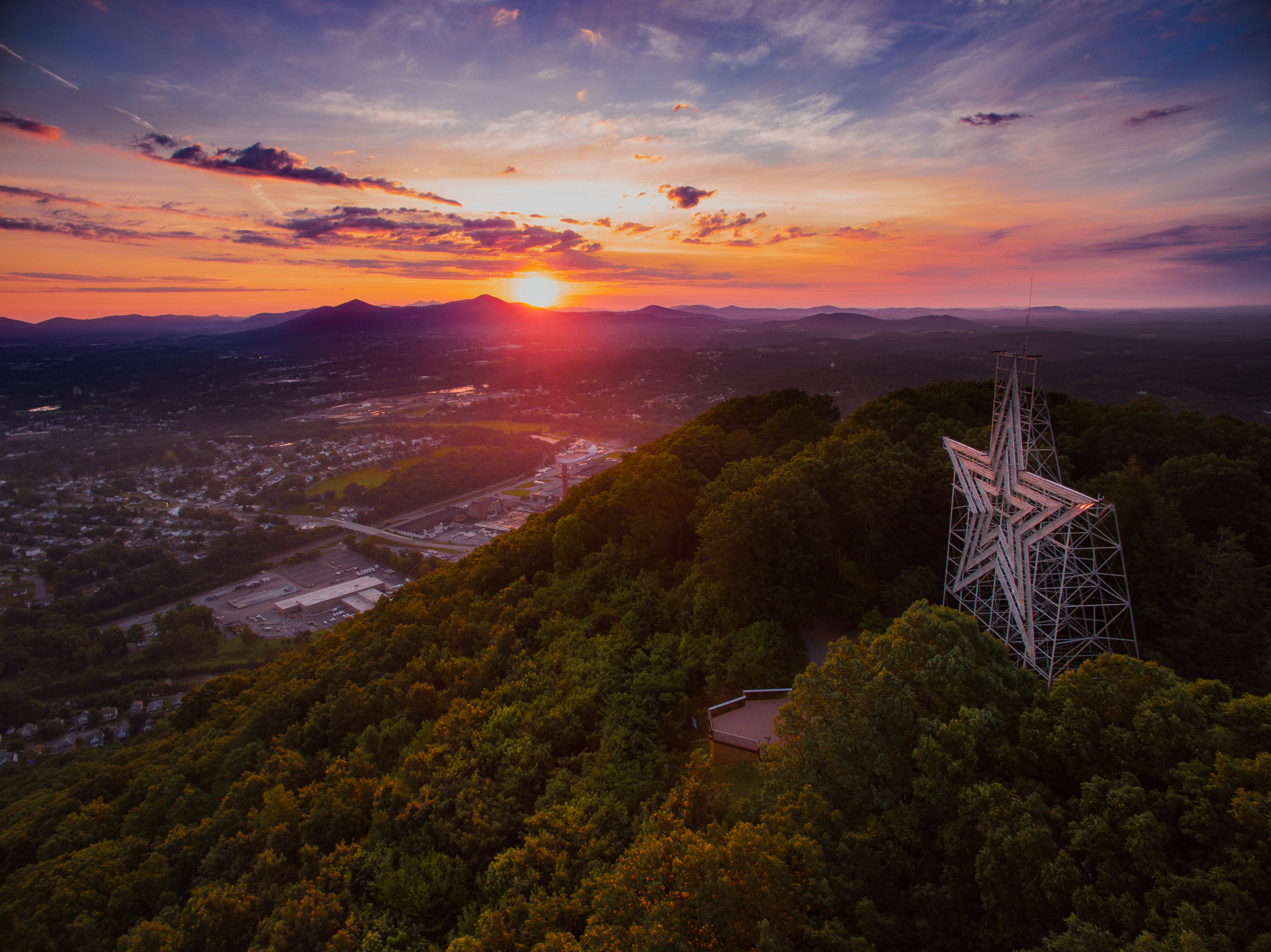 "Located in Southwest Virginia's beautiful Blue Ridge Mountains, Roanoke is a small urban enclave with surprisingly big offers. As you consider your summer travels, here are five reasons to head to this ""Star City."" (Image: Sam Dean Photography/Visit Virginia's Blue Ridge)"