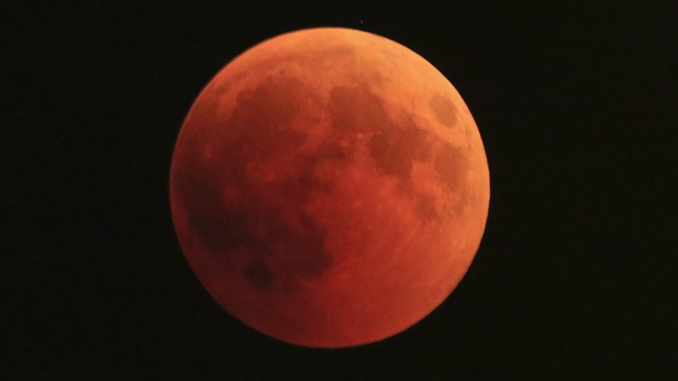 Supermoon lunar eclipse to dazzle Seattle skies in January