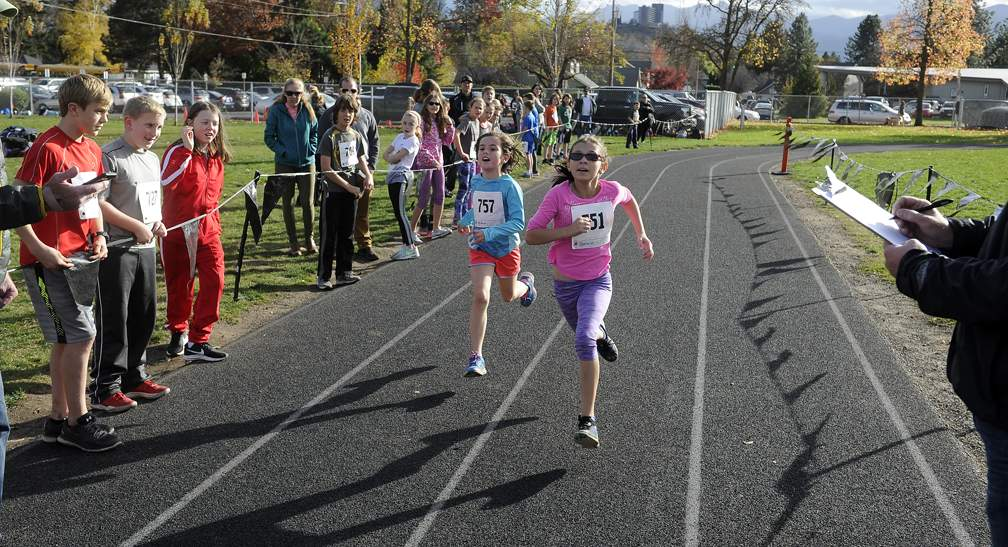 Medford Elementary XC Championships at Holmes Park and Hoover Elementary School in Medford 11-9-17. 5th grade girls event. - Andy Atkinson