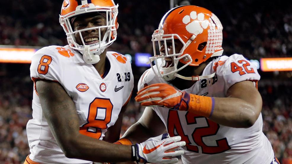 Clemson Dominates Alabama 44 16 To Win College Football National