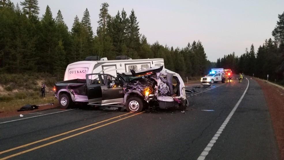 Fatal head-on crash in Klamath County