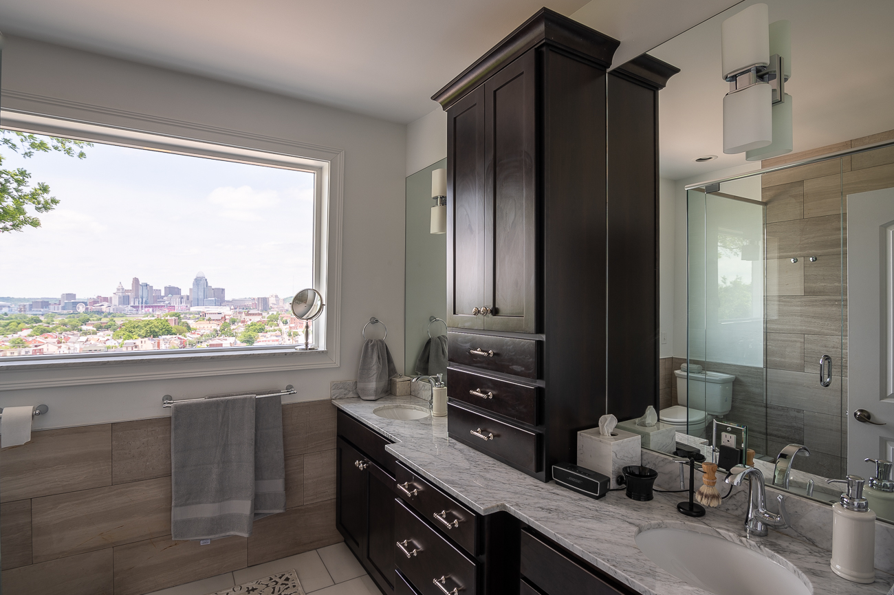David's second-floor bathroom has a picture window that perfectly frames Cincinnati. / Image: Phil Armstrong, Cincinnati Refined // Published: 5.31.19