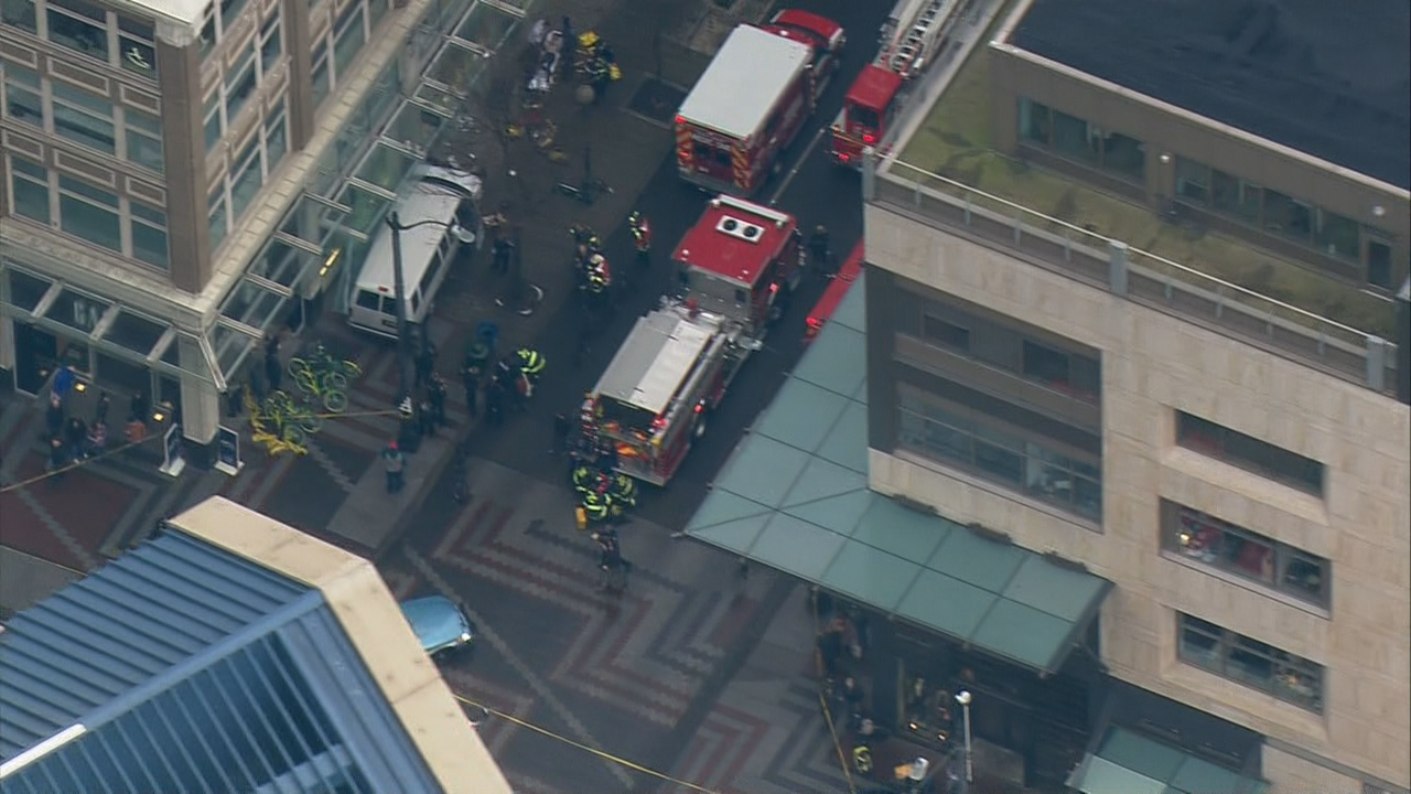 A van has crashed into the front of the Gap store in Downtown Seattle (Photo: KOMO News/Air 4)