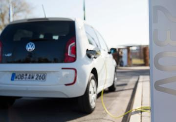 VW to launch all-electric car sharing in Berlin