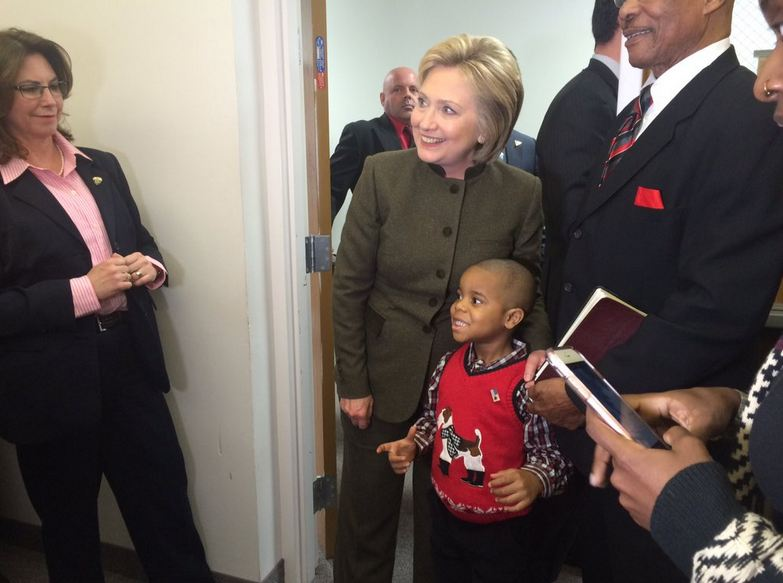 Former Secretary of State and Democratic presidential candidate Hillary Clinton visited a Flint, Michigan church and met with mothers affected by the water crisis on Sunday. (Photo: Miranda Parnell / WEYI)