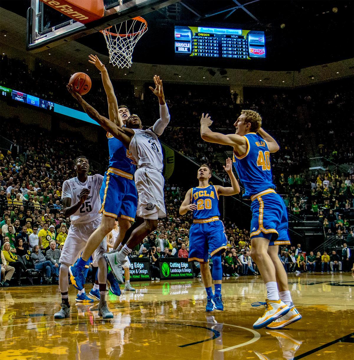 Upset! Oregon Ducks Take Down UCLA Bruins