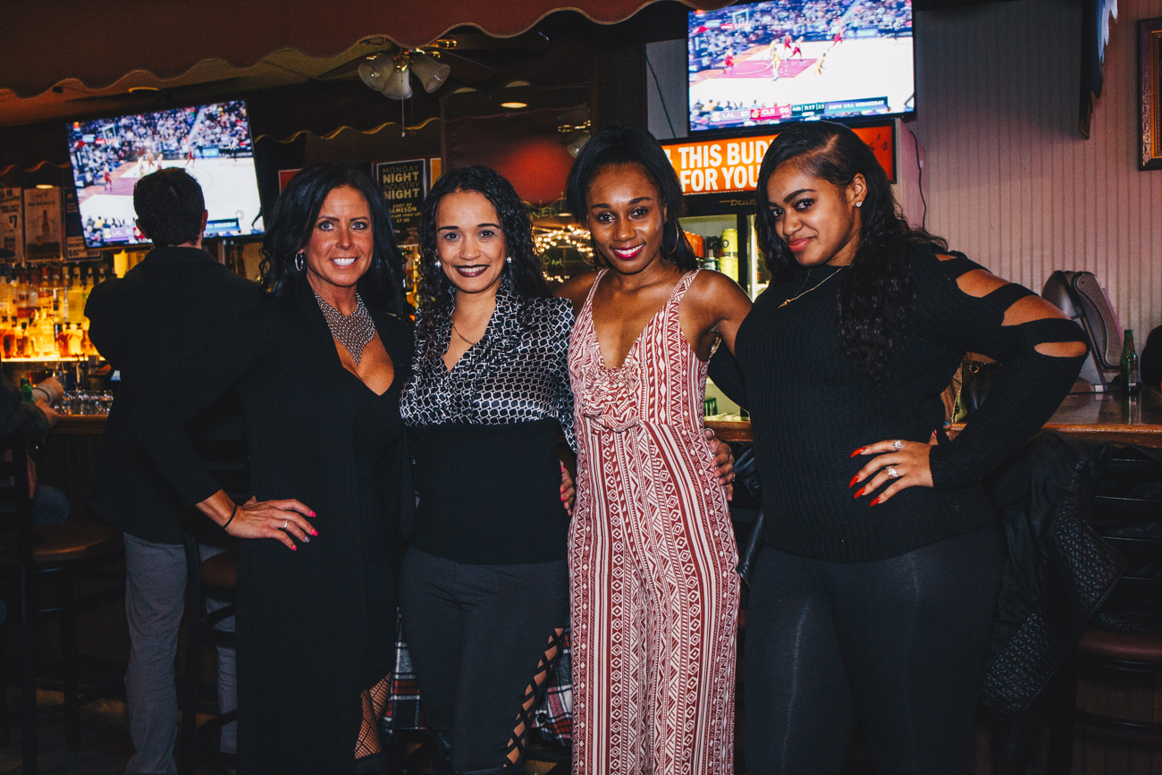Lindie Riley with Lois, Reniah. and Ciera Walker{ }at Madonnas / Image: Catherine Viox // Published: 11.22.18