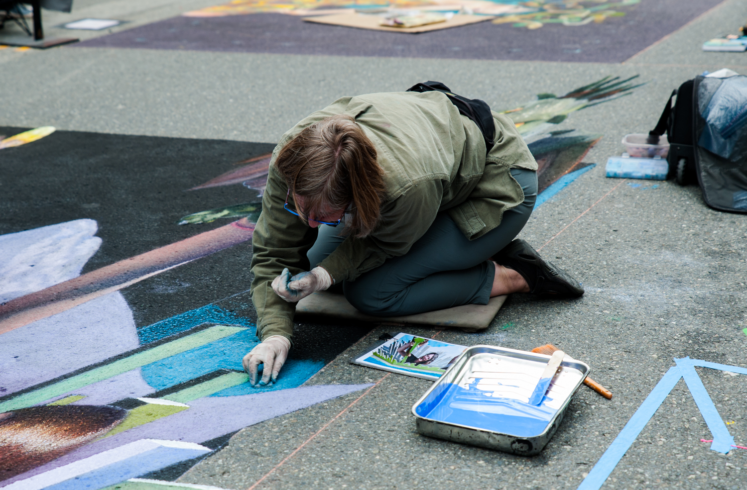 Over 50,000 people from all over the country came to Redmond, WA this past weekend to see chalk artists create stunning murals on the streets. Artists were given free rein to create whatever they wished, which resulted in an amazing variety of works that will last until the next rain! (Image: Elizabeth Crook / Seattle Refined)