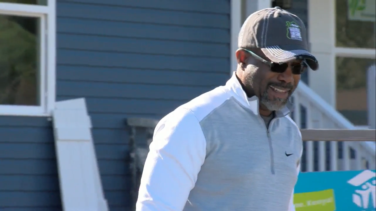 Darius Rucker surprises woman with new home (WCIV)<p></p>