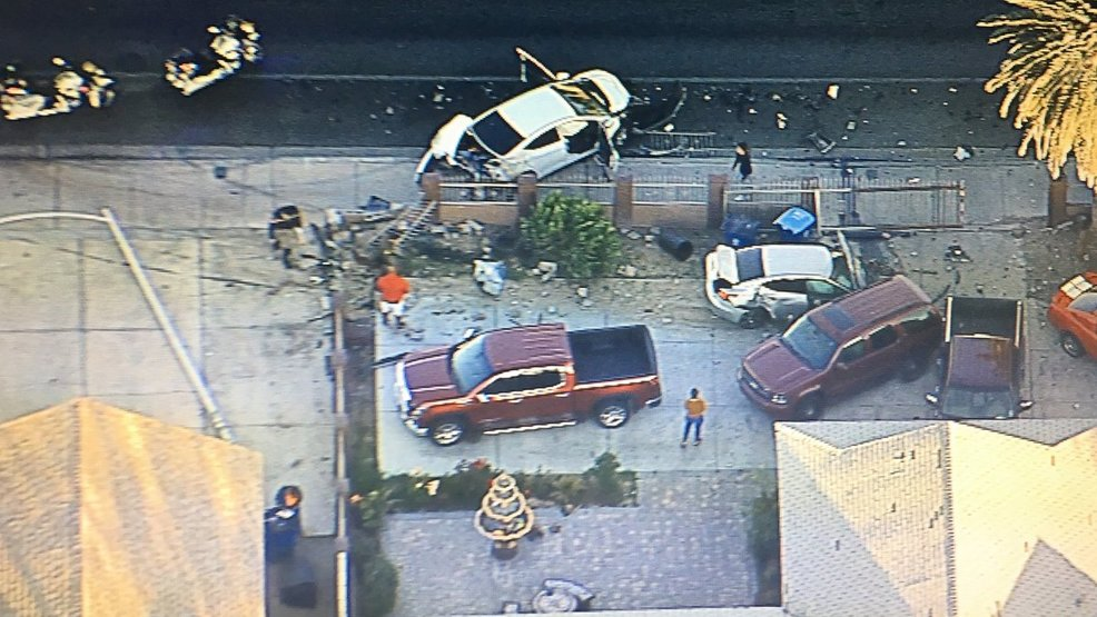 Car hits 5 vehicles near Lamb, Stewart before occupants take off