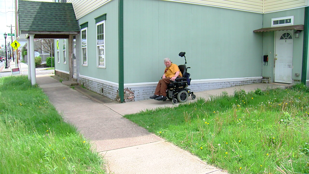 Father and son organize campaign to help disabled man in Bethel (WKRC)