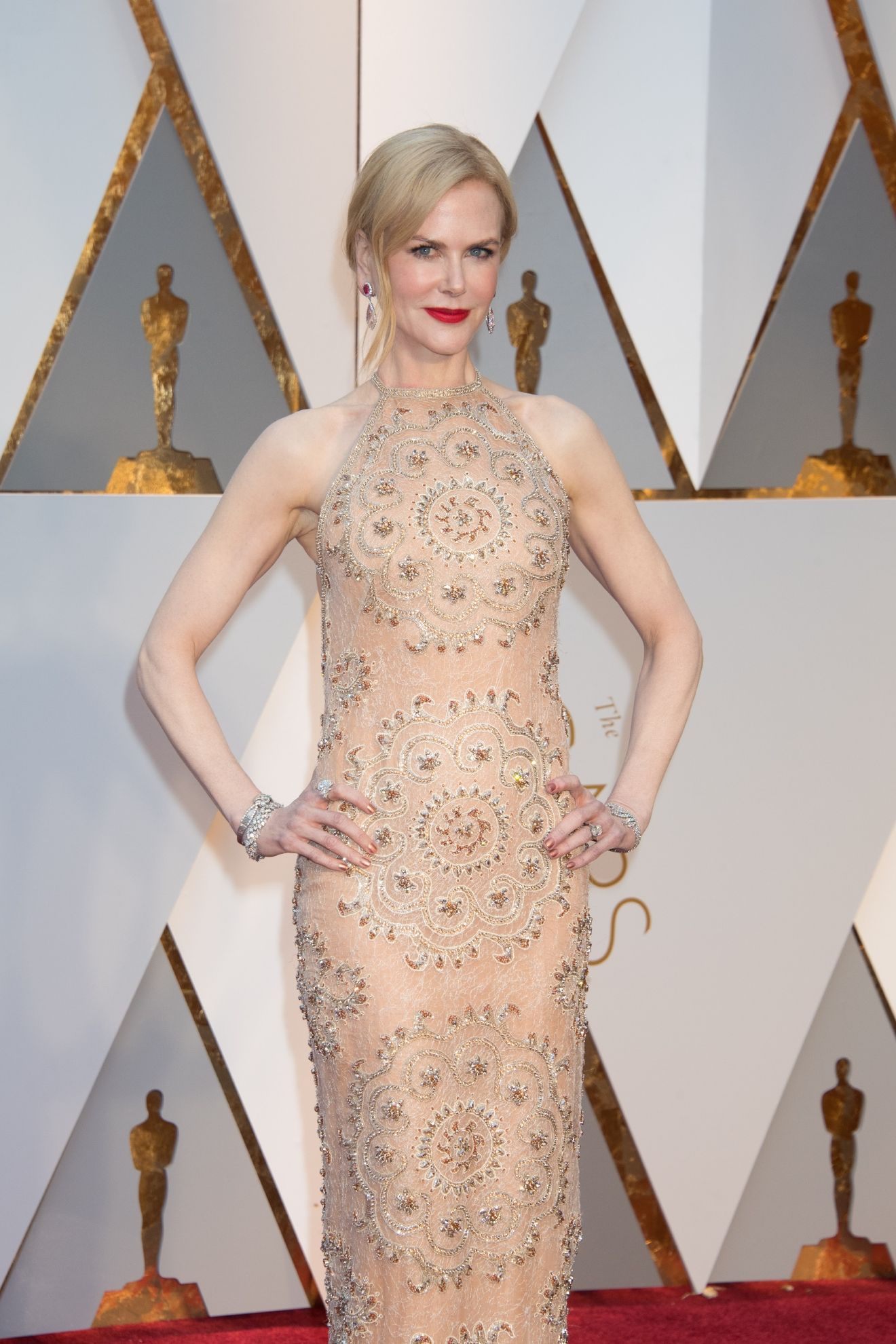 #17: Nicole Kidman. Don't worry, she actually is wearing clothes - but you might have to look twice! This figure-hugging number is comfortable, Nicole SWORE on the red carpet! (Image: AMPAS)