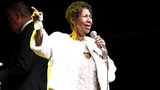 Aretha Franklin reportedly gravely ill, family by her bedside
