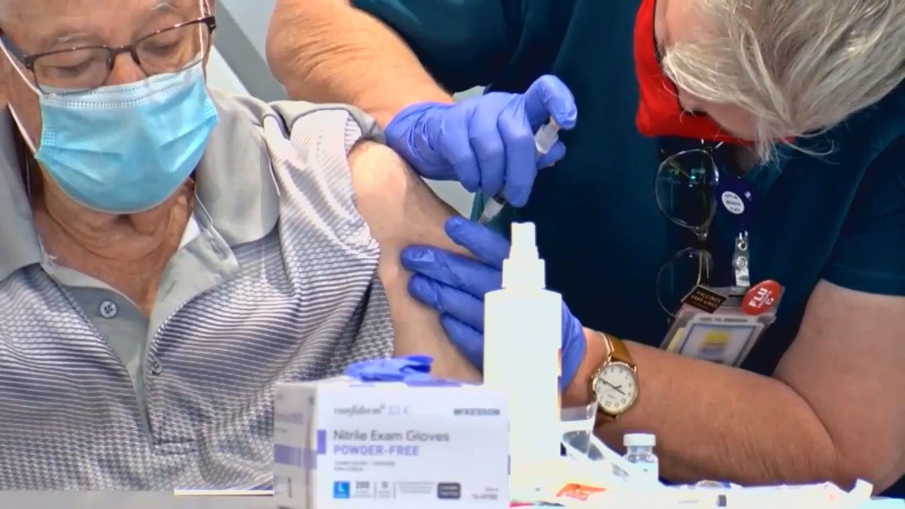 North Carolina health officials on Thursday unveiled an updated coronavirus vaccine distribution plan that prioritizes people 65 years old or older. (Photo credit: WLOS staff)